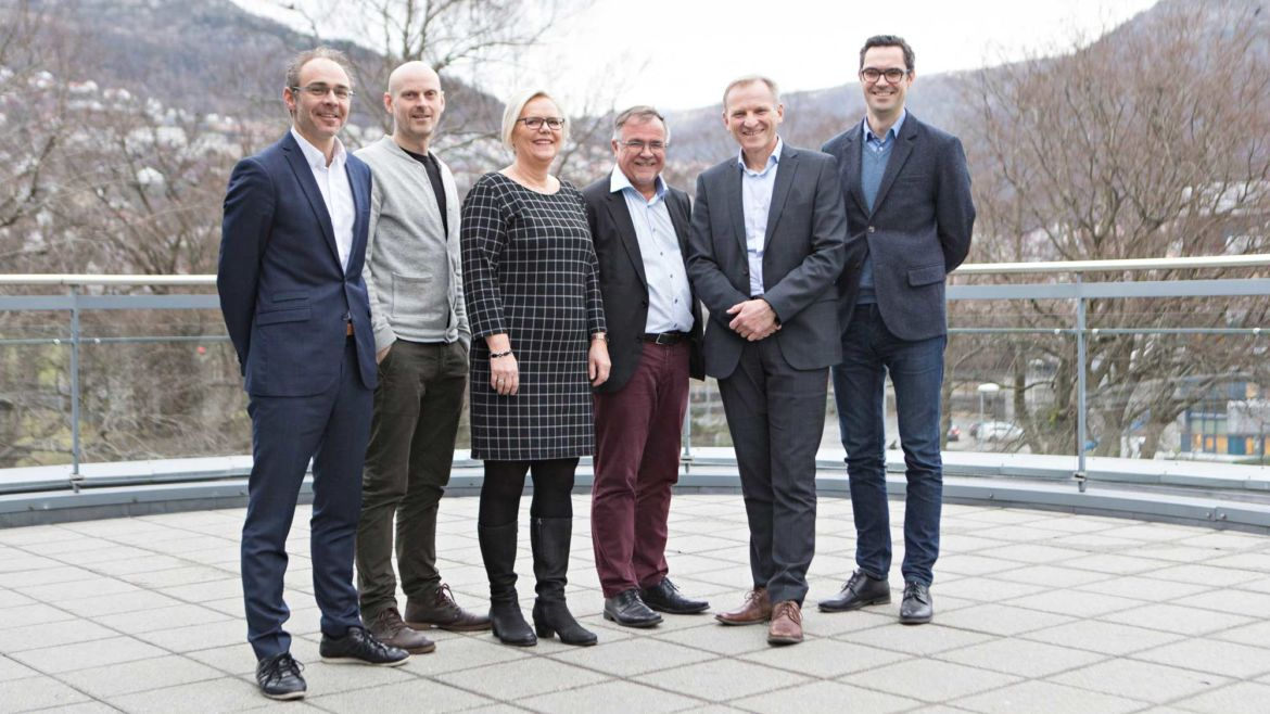 Borad of director posing for camera. From left: Helge Thorbjørnsen, Dag Finne, Anne Marit Blokhus, Kjell Bernstrøm, Eivind Hansen and Jarle Holberg.